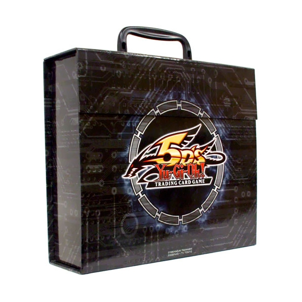 playfactory boite de rangement valise officielle konami logo 5d 39 s yu gi oh. Black Bedroom Furniture Sets. Home Design Ideas